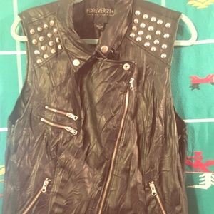 1X NWT Forever21 Studded Vegan Leather Moto Vest